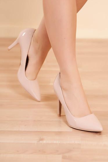 Pantofi nude elegant din piele ecologica lacuita cu varful usor ascutit si toc inalt