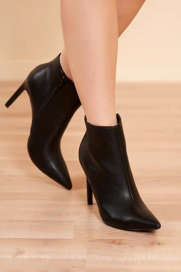 Botine negre elegante din piele ecologica cu toc inalt cu inchidere cu fermoar