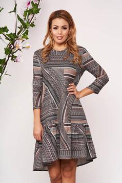 Rochie StarShinerS maro tricotata eleganta cu croi larg cu maneci trei-sferturi fara captuseala cu fir lame