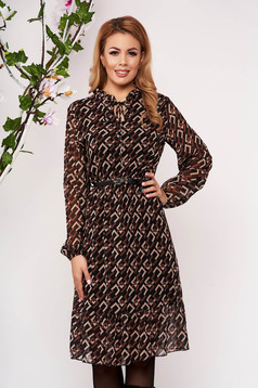 Rochie SunShine maro midi eleganta in clos din material vaporos cu elastic in talie si curea din imitatie de piele