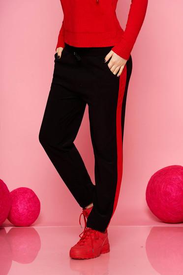 Pantaloni SunShine rosii casual cu un croi drept cu buzunare cu elastic si snur in talie