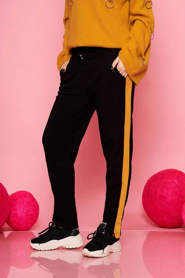 Pantaloni SunShine mustarii casual cu un croi drept cu buzunare cu elastic si snur in talie