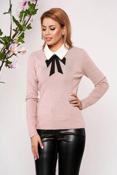 Bluza dama SunShine roz eleganta tricotata scurta cu un croi cambrat si guler detasabil