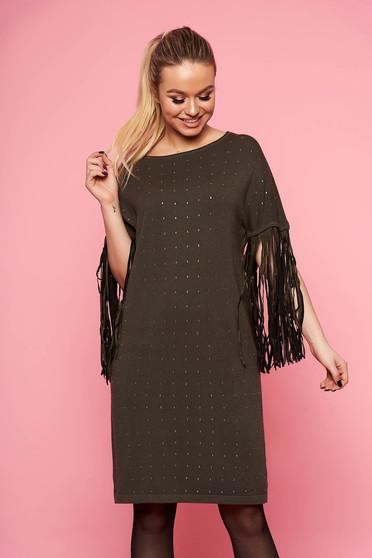 Rochie SunShine khaki eleganta tricotata cu croi larg fara captuseala cu maneci trei-sferturi cu franjuri si aplicatii cu pietre strass