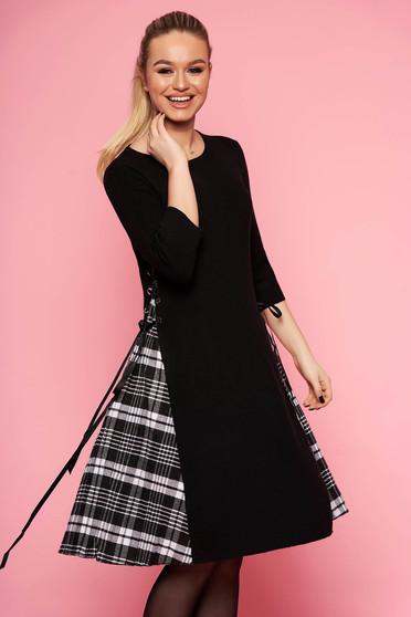 Rochie SunShine neagra casual midi de zi din material tricotat in clos fara captuseala cu maneci trei-sferturi
