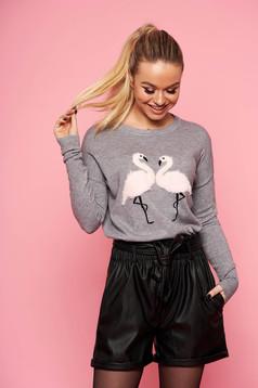 Pulover SunShine gri casual tricotat scurt cu croi larg cu decolteu la baza gatului si insertii cu blana ecologica