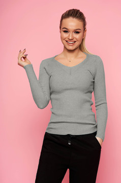 Grey sweater casual short cut tented with v-neckline long sleeved knitted