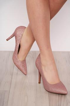 Pantofi roz prafuit elegant din piele ecologica cu aplicatii cu sclipici cu varful usor ascutit si toc inalt