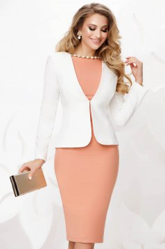 White office tented jacket slightly elastic fabric with padded shoulders
