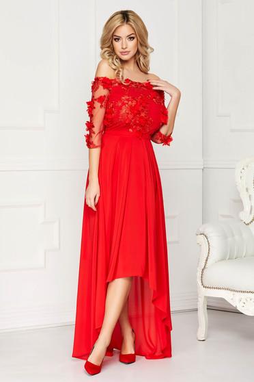 Rochie StarShinerS rosie de ocazie asimetrica din muszlin si dantela in clos accesorizata cu cordon