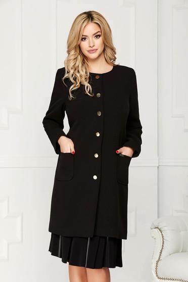 Trench negru elegant din stofa cu un croi drept cu buzunare se inchide cu nasturi