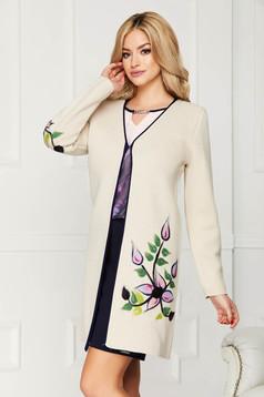 Cardigan crem elegant din lana cu un croi drept cu maneci lungi