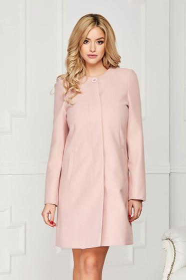 Trench roz prafuit elegant scurt din lana cu un croi drept si inchidere cu un nasture