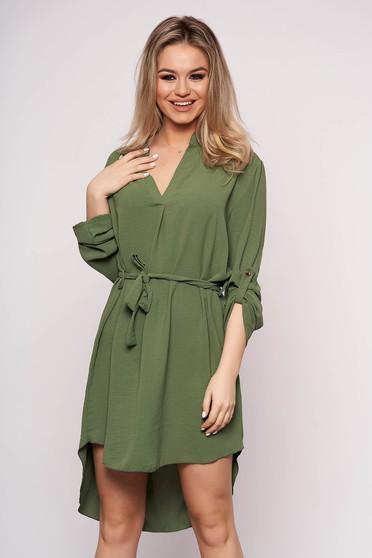 Rochie SunShine de zi verde cu un croi drept asimetrica cu maneci lungi si accesorizata cu cordon