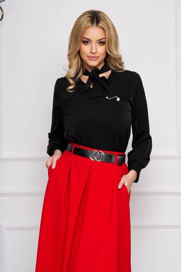 Bluza dama SunShine neagra office scurta din voal cu croi larg si guler tip esarfa