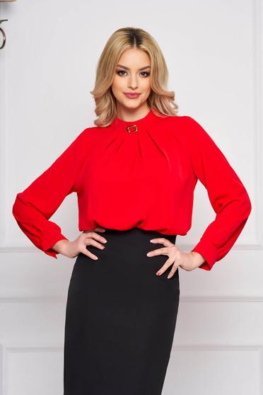 Bluza dama SunShine rosie office cu croi larg scurta din voal cu accesoriu metalic