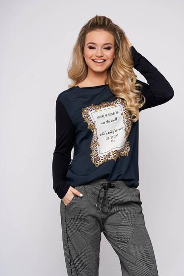 Bluza dama Top Secret albastru-inchis casual din bumbac cu croi larg cu maneci lungi si decolteu la baza gatului
