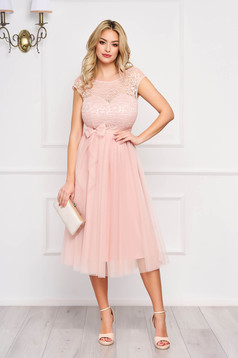 Dress StarShinerS peach midi occasional cloche laced accessorized with tied waistband