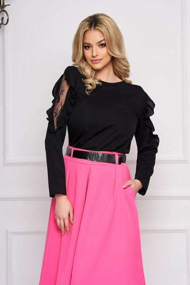Bluza dama SunShine neagra eleganta scurta cu croi larg din voal cu aplicatii de dantela si volanase la maneca