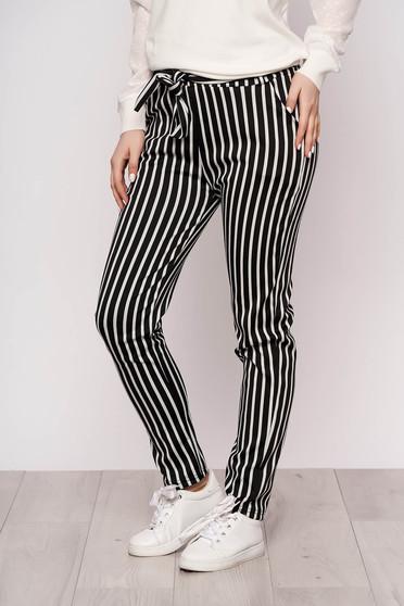 Pantaloni SunShine negri casual din material subtire cu buzunare cu cordon detasabil si imprimeu cu dungi
