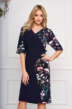 Rochie albastru-inchis eleganta midi din stofa cu un croi drept si imprimeuri florale