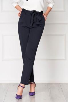 Pantaloni Top Secret albastru-inchis office conici cu talie inalta accesorizat cu o fundita cu buzunare