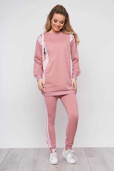 Trening dama SunShine roz prafuit sport din bumbac din doua piese cu pantaloni si bluza cu imprimeu cu scris
