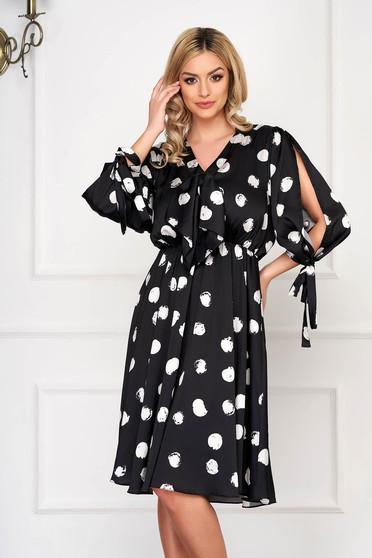 Rochie neagra eleganta midi in clos din satin cu buline si elastic in talie
