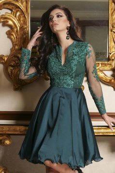 Green dress lace and sequins details with v-neckline occasional cloche short cut