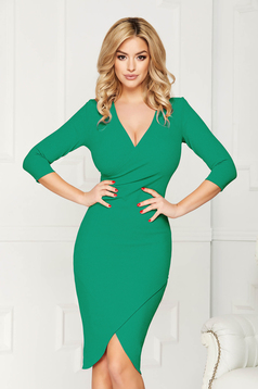 StarShinerS green dress from elastic fabric with tented cut