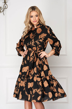 Cream elegant short cut cloche dress accessorized with tied waistband with floral prints elastic held sleeves