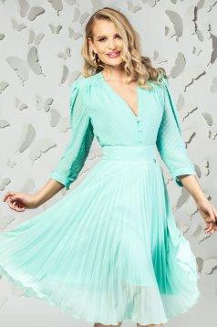 Bluza dama PrettyGirl mint eleganta scurta din voal cu aplicatii din plumeti