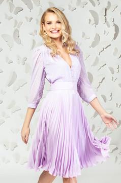 Bluza dama PrettyGirl lila eleganta scurta din voal cu aplicatii din plumeti