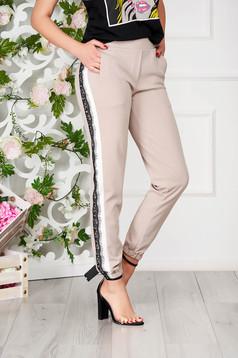 Pantaloni SunShine crem eleganti conici cu buzunare si elastic in partea de jos