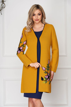 Cardigan mustariu elegant din lana cu un croi drept cu maneci lungi