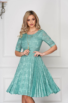 Mint dress elegant midi cloche laced folded up accesorised with necklace