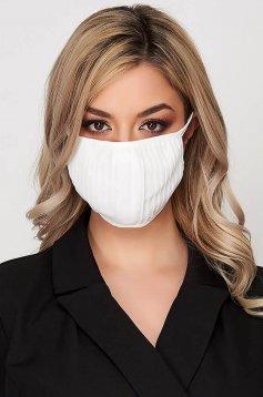 StarShinerS white face masks folded up