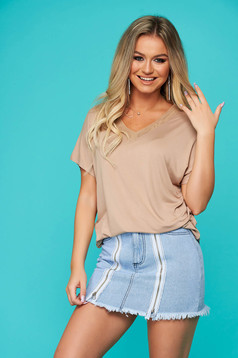 Peach t-shirt casual flared short sleeves with v-neckline