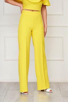 Pantaloni StarShinerS galbeni eleganti lunga evazati din stofa din material elastic