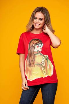 Red t-shirt casual flared long with graphic details