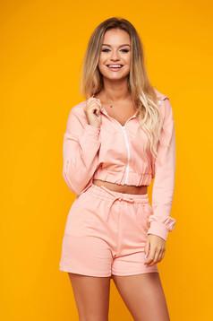 Treninguri dama SunShine roz deschis casual din doua piese cu pantaloni scurti din bumbac