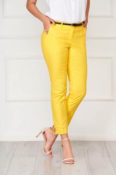 Pantaloni Artista galbeni office conici din bumbac cu buzunare