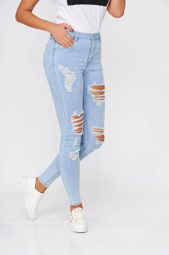 Blue jeans casual with tented cut with ruptures high waisted