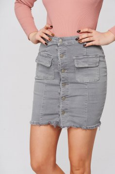 Casual short cut denim high waisted with tented cut grey skirt