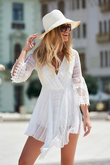 Rochie alba de zi asimetrica in clos cu elastic in talie din dantela