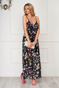 Black dress daily cloche with v-neckline with elastic waist from veil fabric with floral print