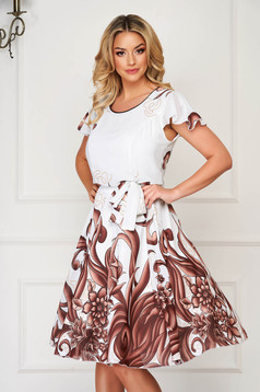 Rochie alba eleganta de zi in clos cu maneci scurte din voal cu imprimeu floral