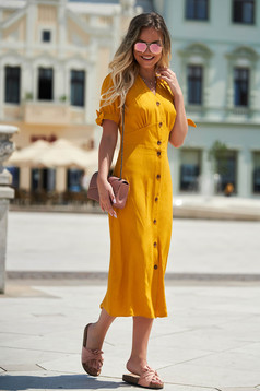 Yellow dress daily with a cleavage short sleeve straight airy fabric