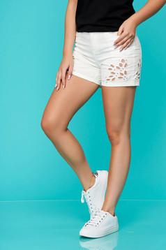 Pantalon scurt Top Secret alb casual din bumbac cu talie medie