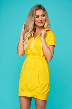 Rochie SunShine galbena casual cu maneca scurta cu elastic in talie din bumbac usor elastic
